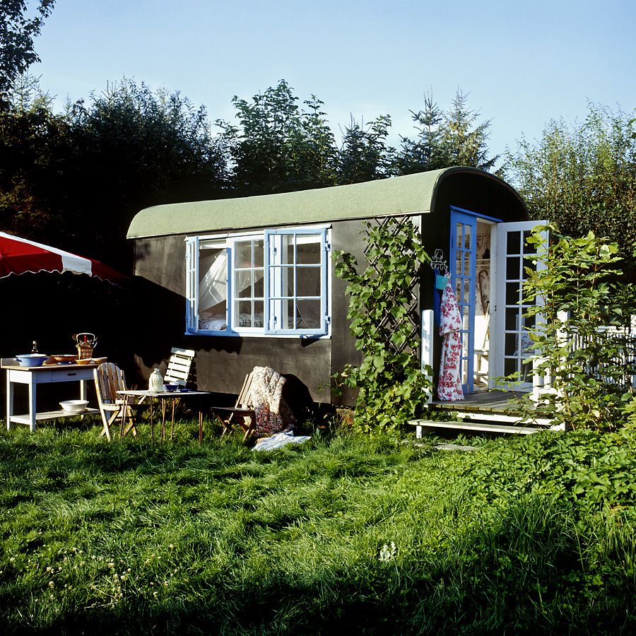 Shepherd Hut Floor Plans: The Cutest Little Sleeping Space Ever