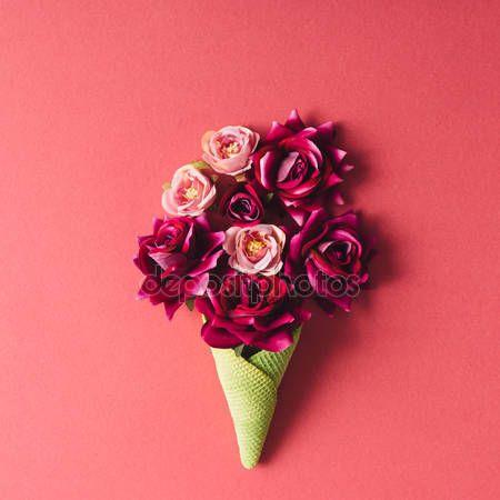 Rose nel cono di gelato — Foto Stock © Zamurovic #120729898