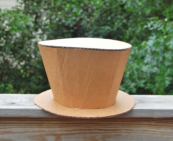 how to make a pilot hat from cardboard