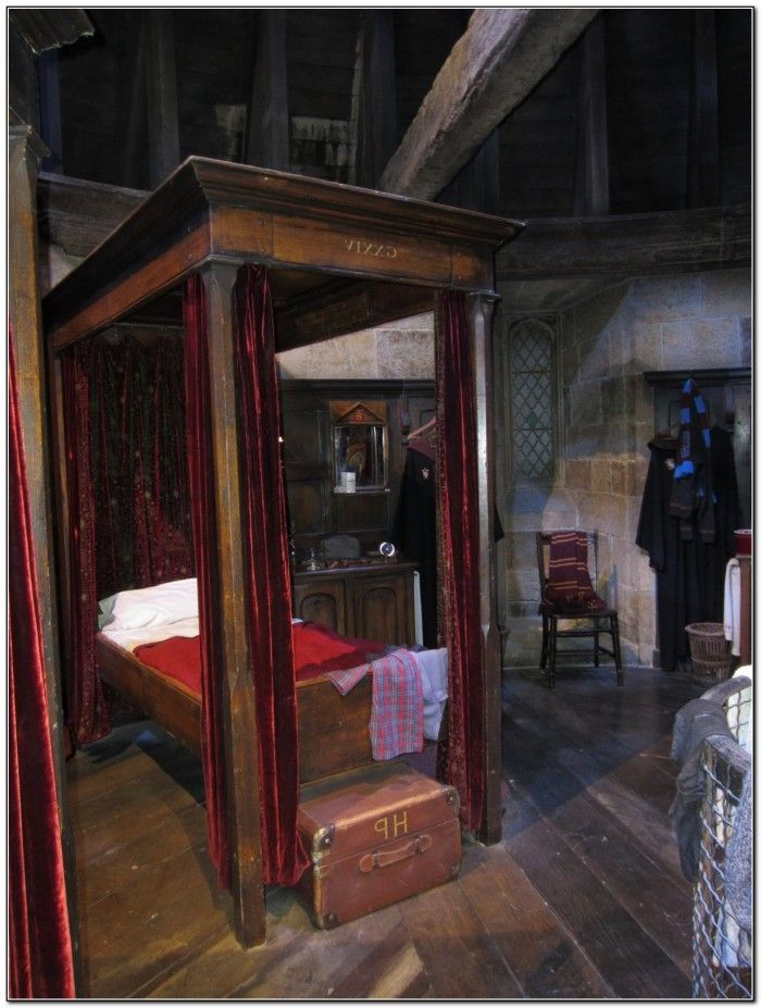 Four Poster Bed Harry Potter Geek Harry Potter Pinterest