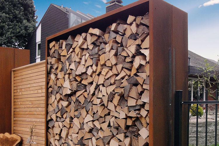 Holzlager Fur Den Garten In Edel Oder Corten Stahl In Ral Farbe Liguna Holzlager Trennwand Garten Kaminholz