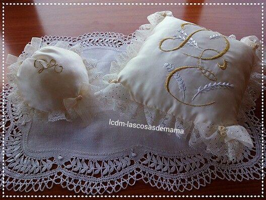 Cojin de novia bordado a mano