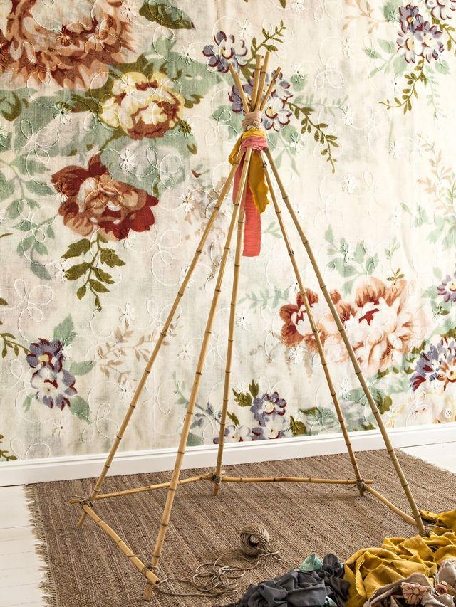 Tipi con telas para dormitorio infantil estilo escandinavo carpitas ni os hacer tipi y diy - Cojines indios ...