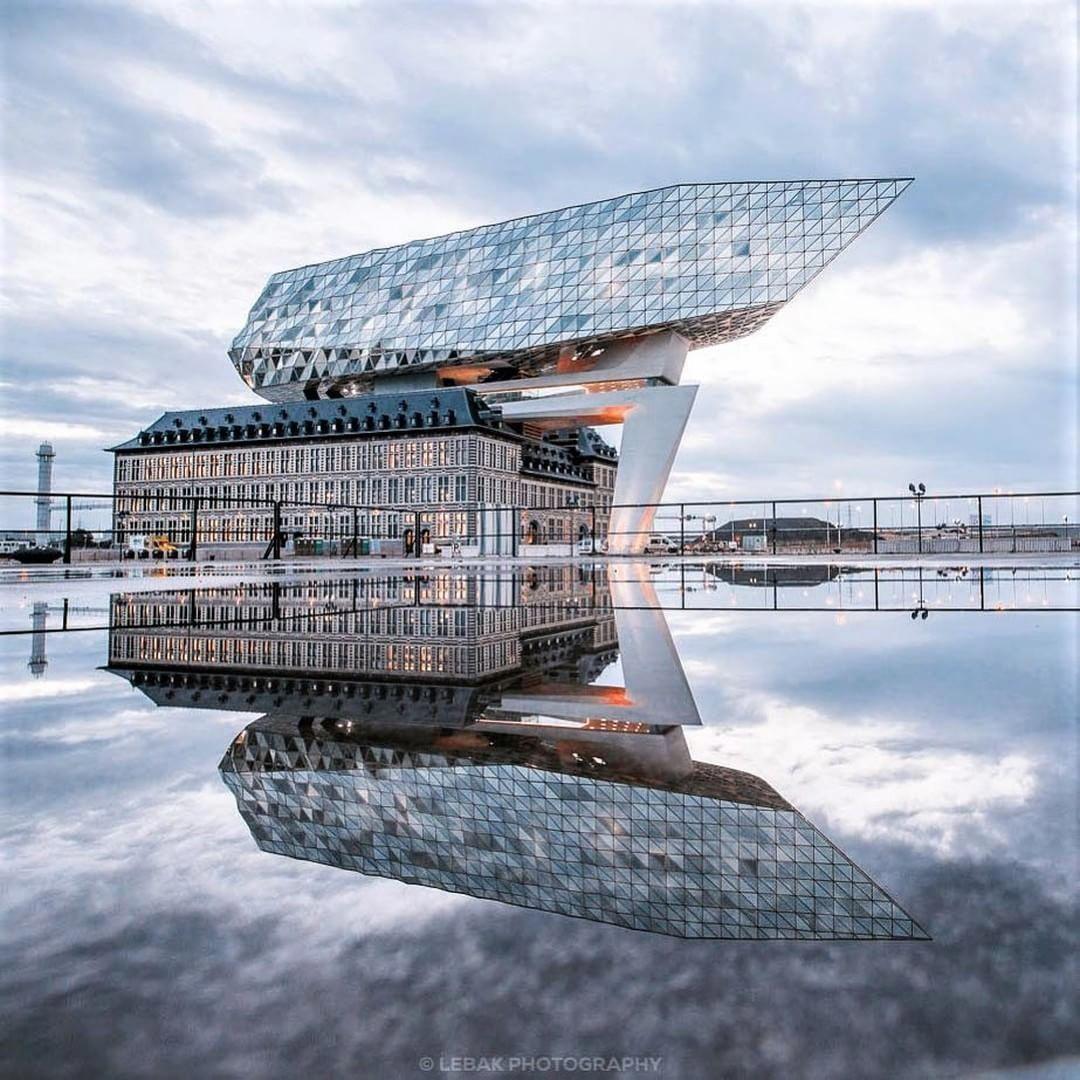 Port House Antwerp By Zaha Hadid Architects Location Antwerp Belgium Photography Via Lebakphoto Zaha Hadid Zaha Hadid Architecture Zaha Hadid Architects
