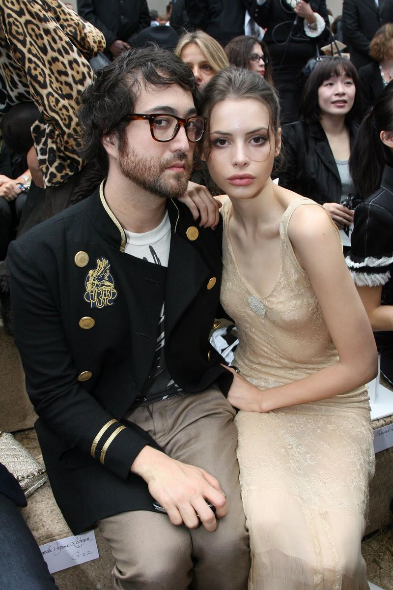 sean lennon and his girlfirend Charlotte Kemp Muhl is an American model, actress, singer, and musician