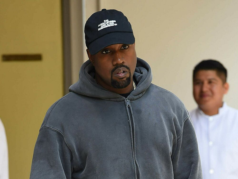 Ist Kanye West Schon Wieder Raus Aus Dem Prasidentschaftsrennen Trend Magazin In 2020 Kanye West Weste Rapper