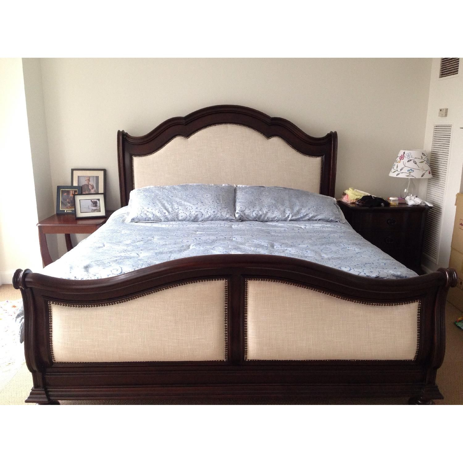Raymour & Flanigan Pembrooke 9 Piece King Sleigh Bedroom Set