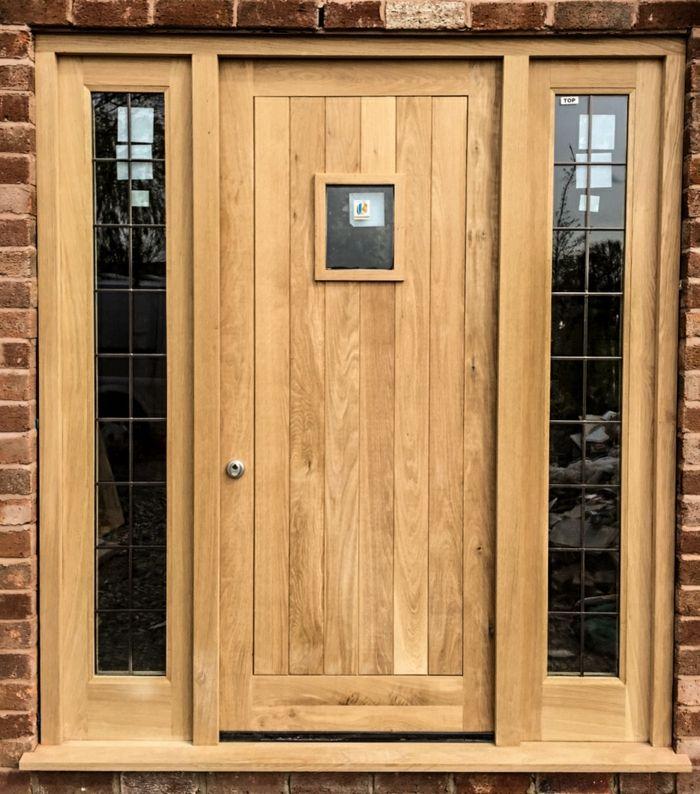 Haustüren holz rustikal  haustür aus holz haustür selber bauen helles holz kleines türchen ...