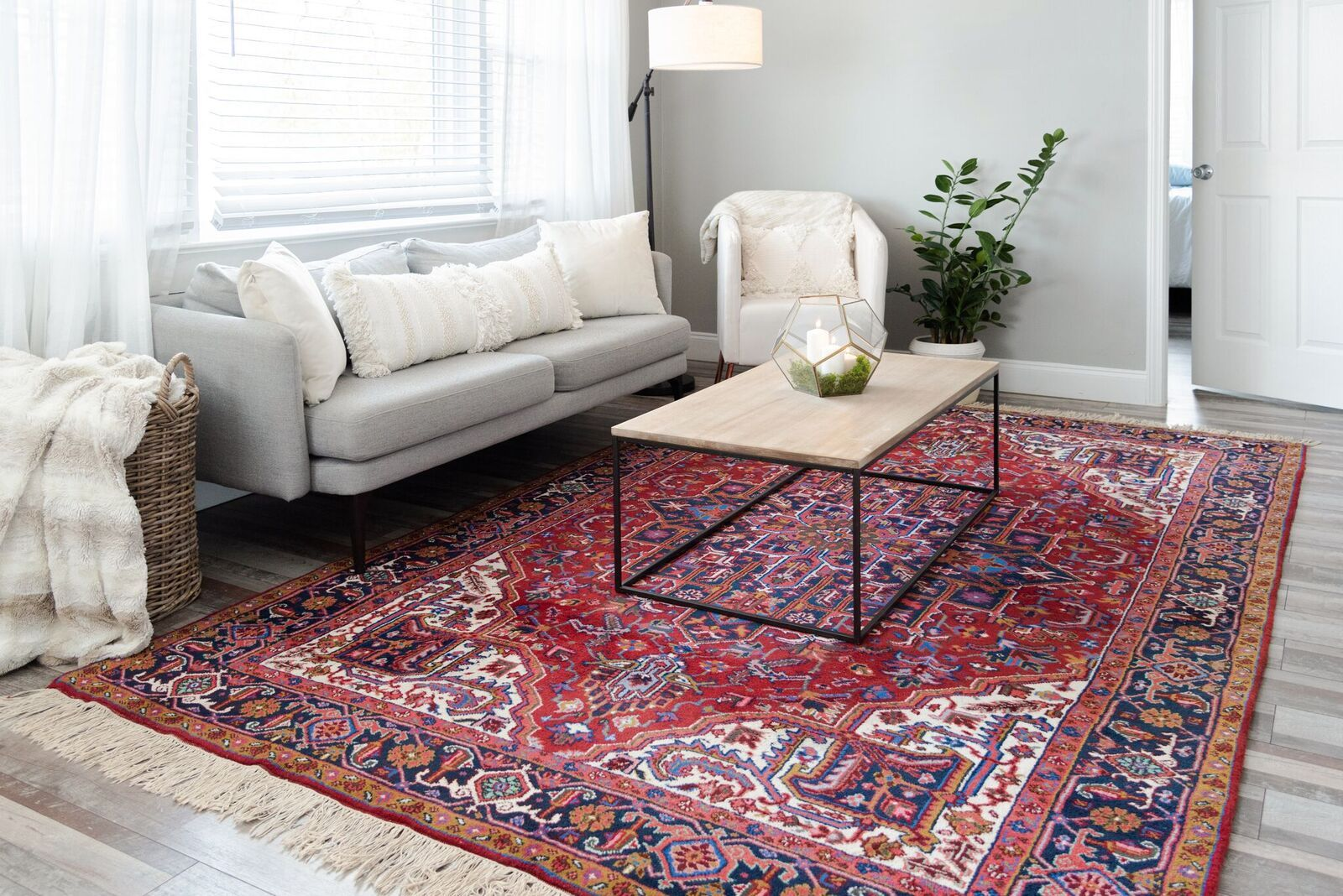 Living Room In 2020 Persian Rug Living Room Red Persian Rug Living Room Rugs On Carpet #red #persian #rug #living #room