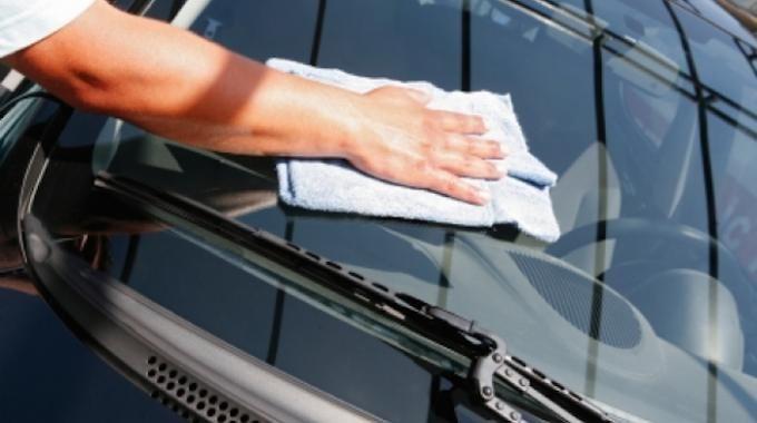 l'astuce pour avoir des vitres de voiture sans aucune trace