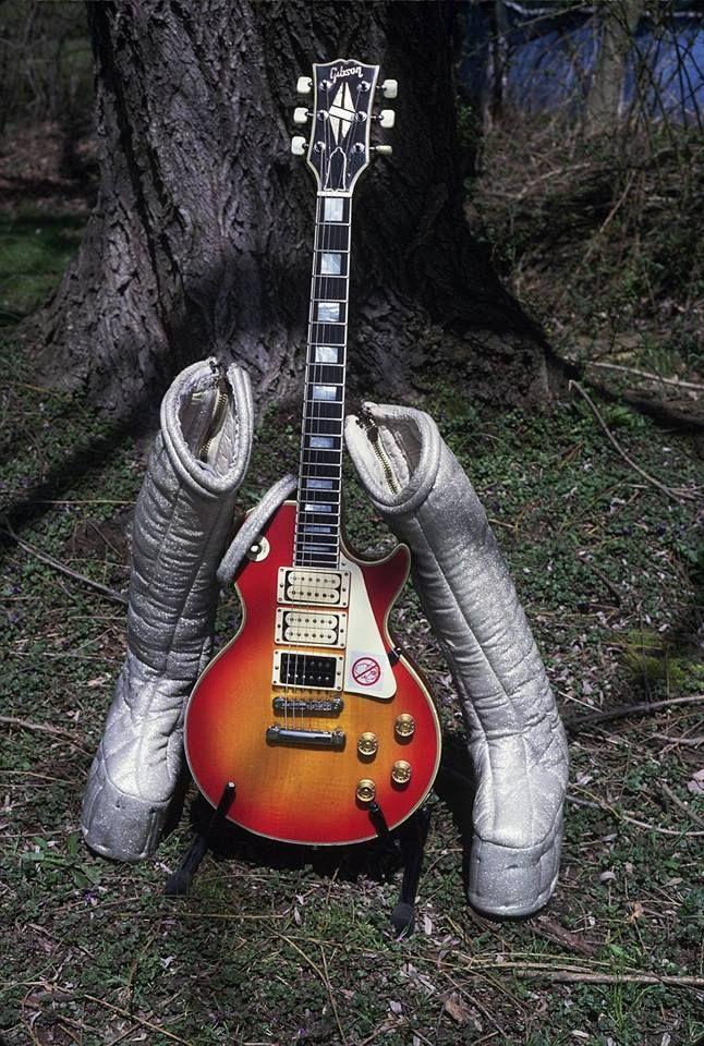 Ace S Boots And Budokan Custom Ace Frehley Les Paul Gibson Les