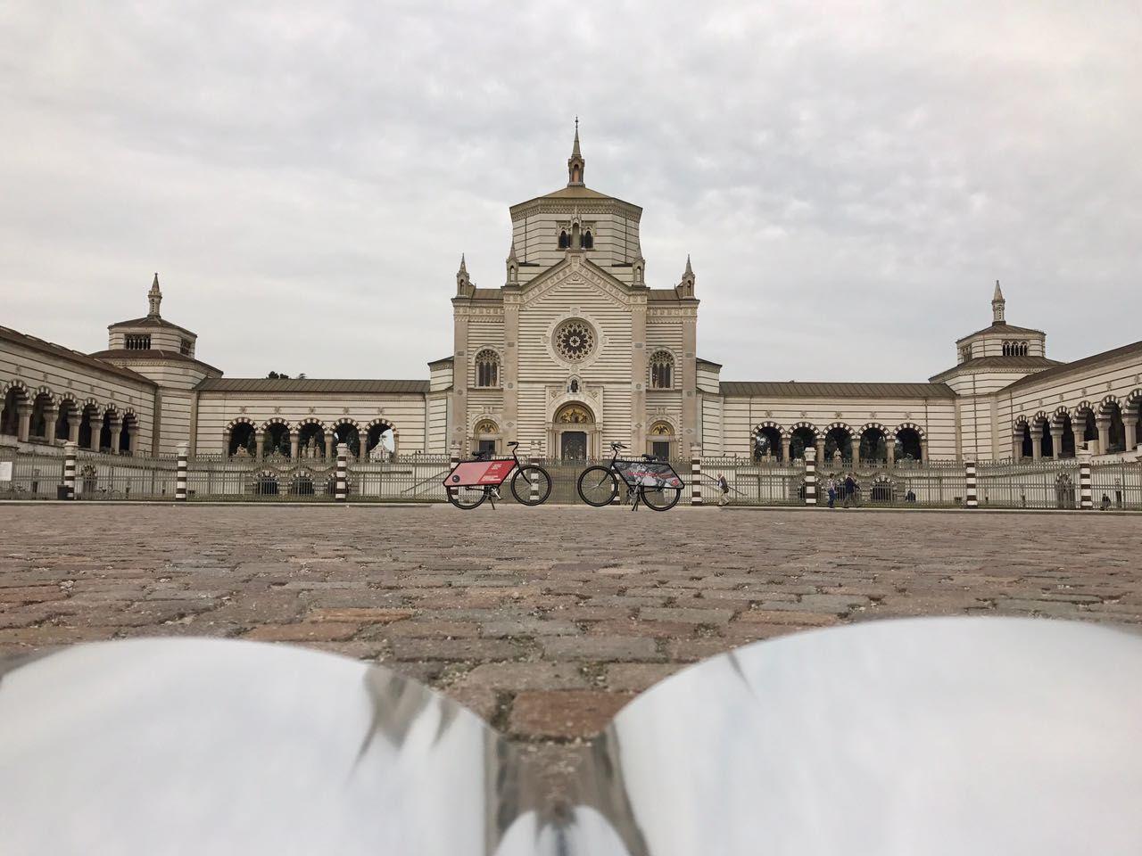 Modular Lighting Instruments' new Sensitive to Light catalogue is traveling around Milan for Milan Design Week! Did you spot our #Supermodular bike team already? Everybody loves it! #SensitiveToLight #Fuorisalone #MilanDesignWeek #Milan