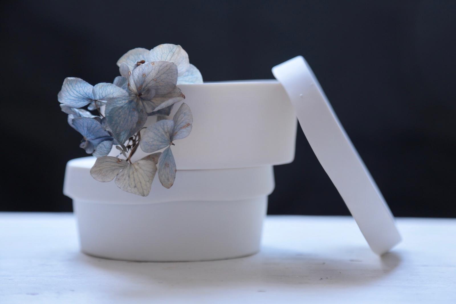 #candies #lilacandles #bougie #naturalcandles #porcelain #handmade #homesweethome #myriamaitamarceramics
