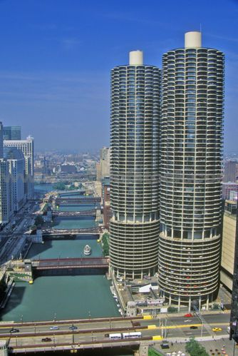 Corn Cob Towers Chicago Also Known As Marina You Park Your Car On The Bottom 12 Or So Floors And Homes Are Stacked Top