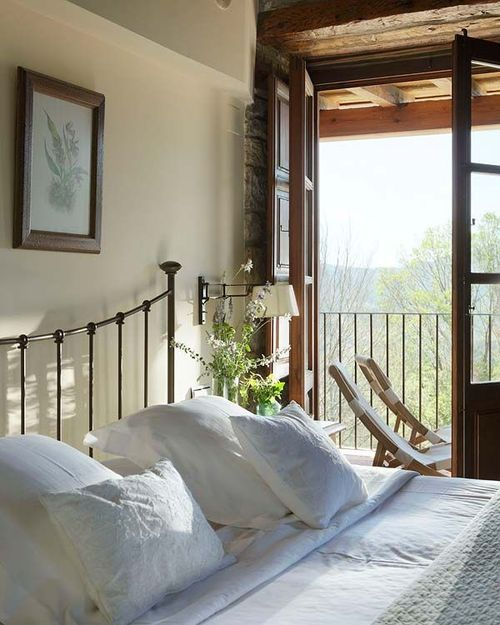 peaceful, clean, beautiful...especially those dark wood doors to the balcony