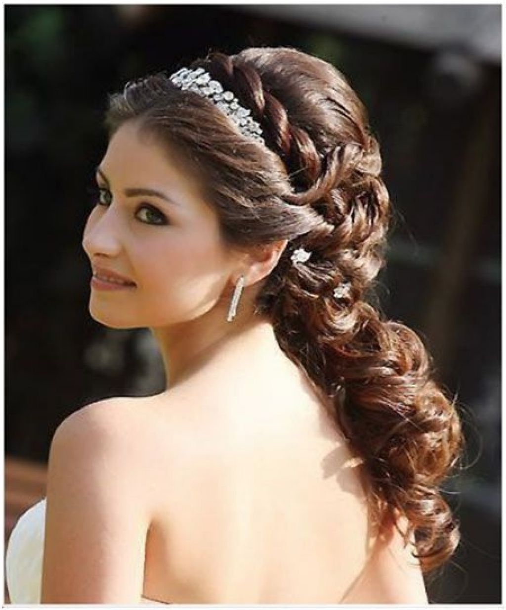 Best Indian Wedding Hairstyles For Christian Brides Our Top 11 Top Wedding Hairstyles For Long Indian Wedding Hairstyles Bridal Hair Images Wedding Hairstyles