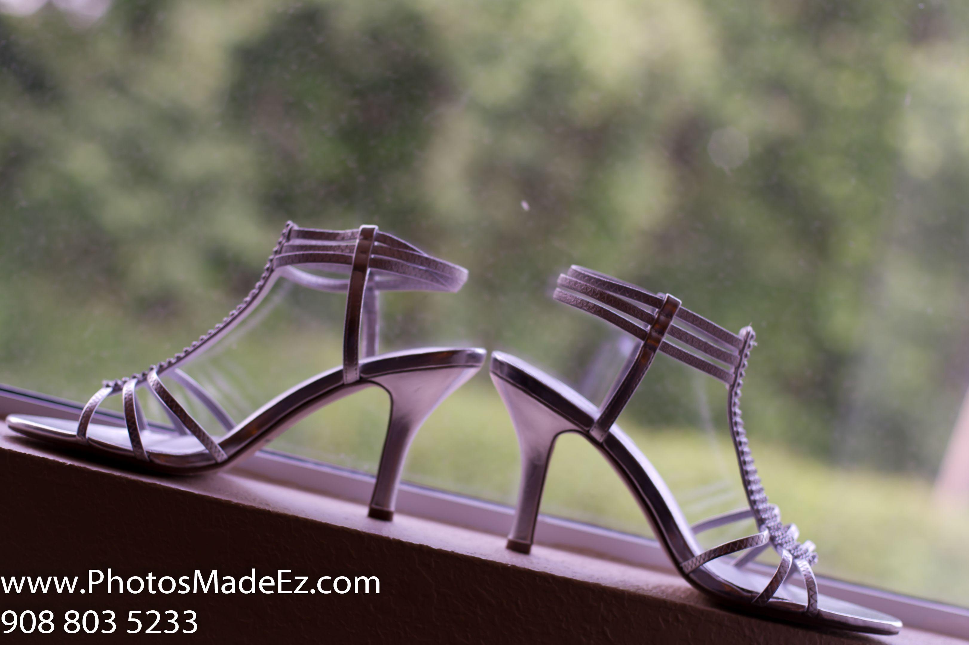 Bride's Shoes, accessories, ring, boquet, chura, clutch, necklace, jewellery jhumka, kalira, payel, bridal makeup, bridal wear earrings, garter, mangalsutra, pagri, groom's turban, groom's cufflink, groom's watch, tika, wedding jewellery,bridal jewellery - Photo by PhotosMadeEz