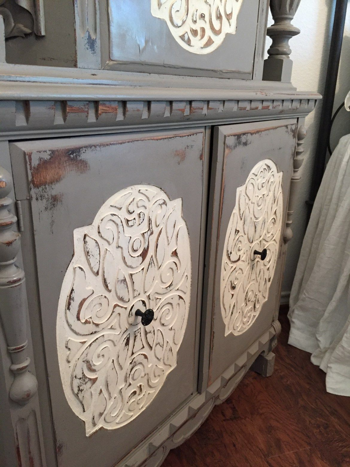 Annie Sloan, French Linen, Old White, painted furniture