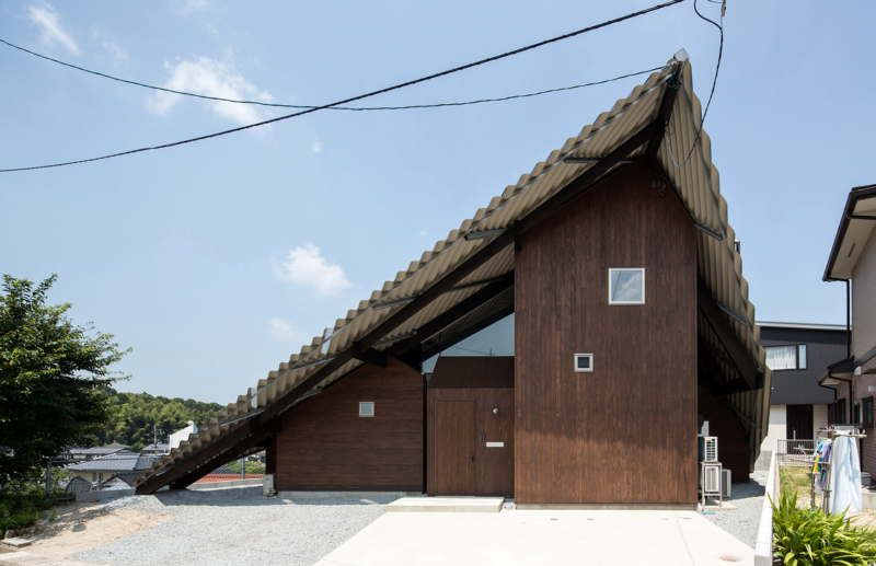y+M design's Rain Shelter House in Yanogo (Japan)