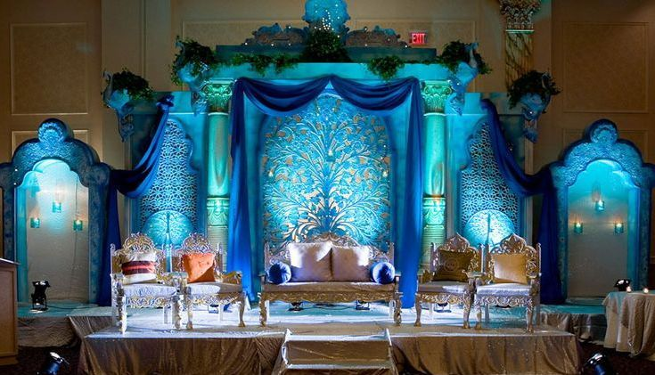 Peacock Themed Weddings At Banquet Halls In Delhi Wedding Stage
