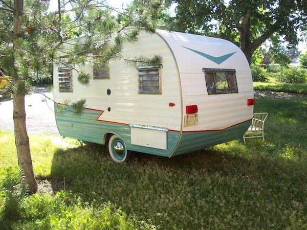 Vintage Travel Trailer Camper Like New (old antique retro
