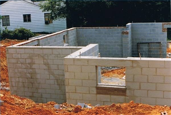 The Pros Cons Of Concrete Block House Construction Concrete Blocks Concrete Block Foundation Cinder Block House