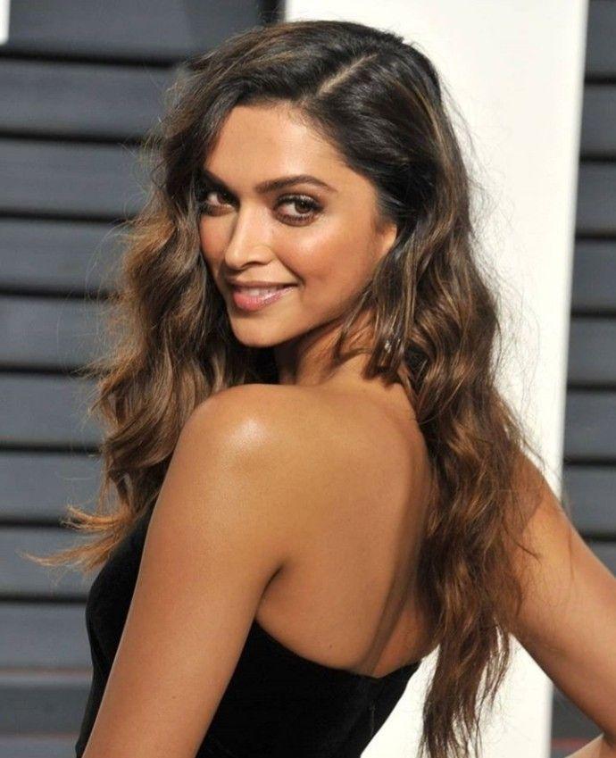 Bollywood hairstyles, Deepika padukone hair, Deepika ...