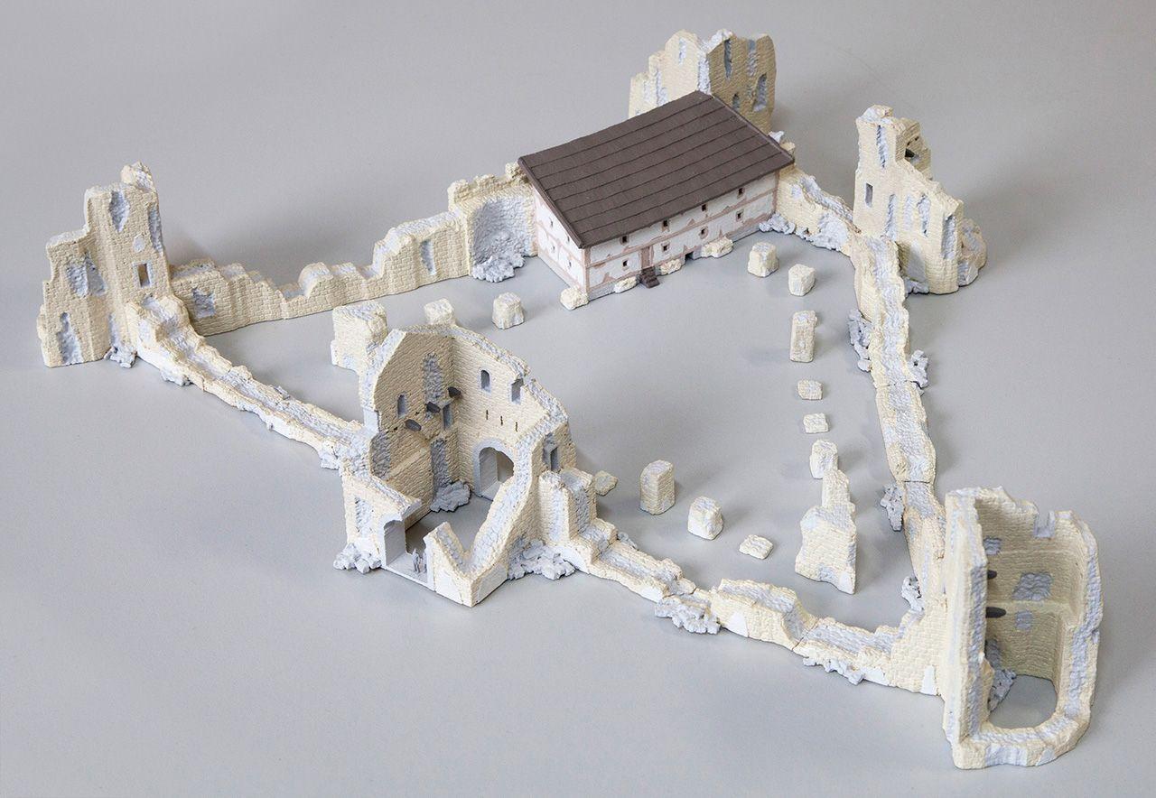 römische Kastellruine mit mittelalterlichem Severinsbau (ca. 460 n. Chr.), M=1:200, Dauerausstellung im Römermuseum Kastell Boiotro der Stad...