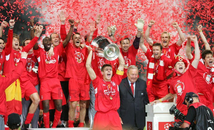 Výsledek obrázku pro liverpool ac milan final istanbul 2005 alonso