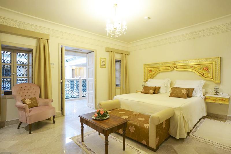 Dar Alouini Une Maison D Hotes Qui Mele Luxe Et Authenticite Au Coeur De Kairouan Ideo En 2020 Maison D Hotes Decoration Maison Maison Tunisie