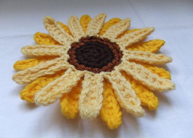 Giant Sunflower Crochet Pattern (II) by Siona Karen, via Flickr