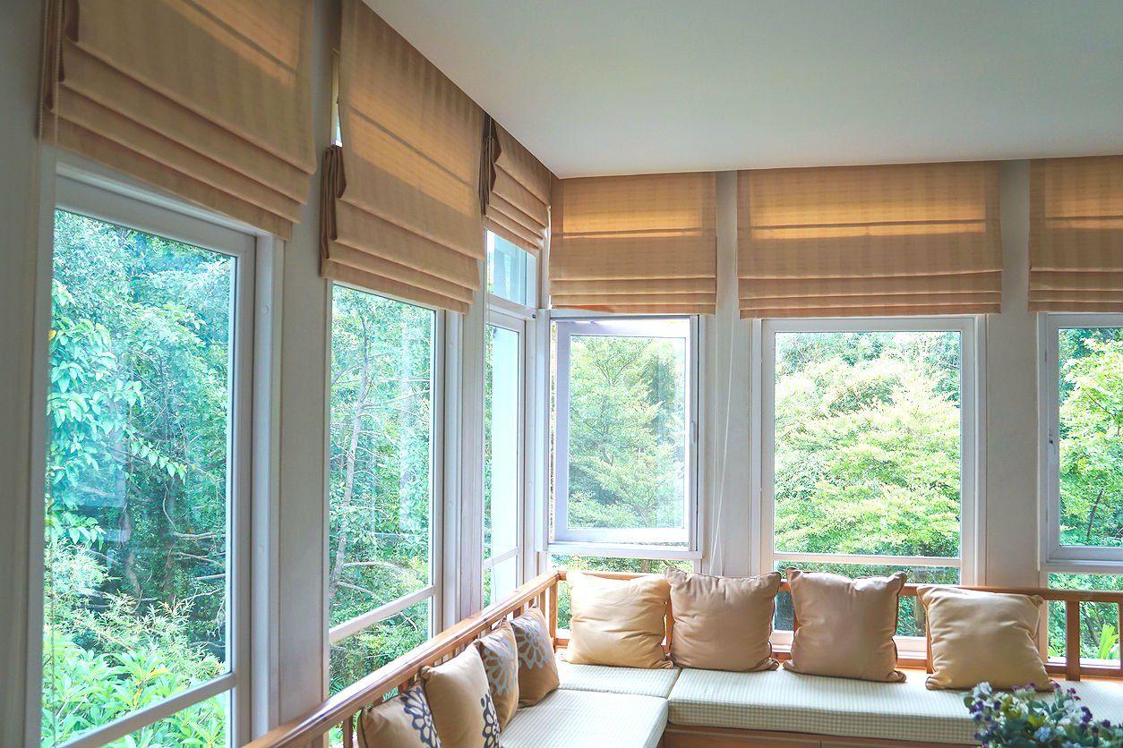 What S The Difference Fiberglass Vs Vinyl Windows Roman Curtains Blinds For Sale Window Vinyl