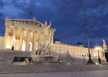 Advent a káprázatos díszbe öltözött Bécsben Operaház látogatással - utazás, magyar nyelvű idegenvezetés