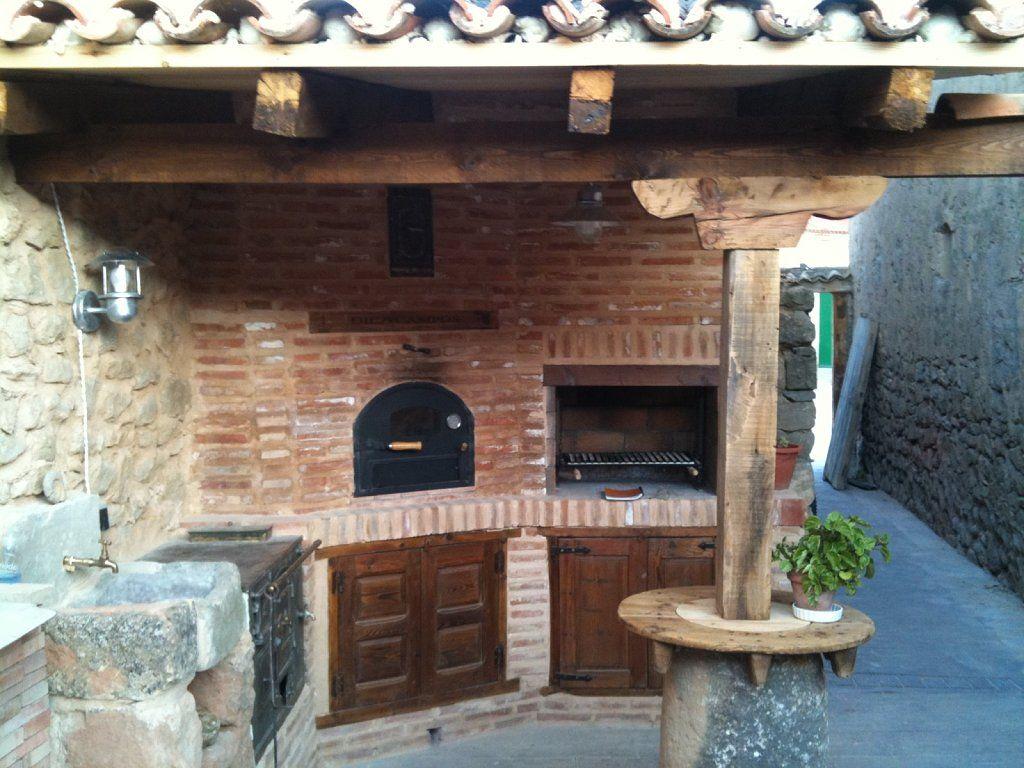 Horno cocina barbacoa de obra en patio trasero 3 - Medidas barbacoa de obra ...