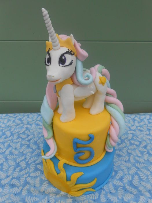 Birthday Cakes Princesses Celestia