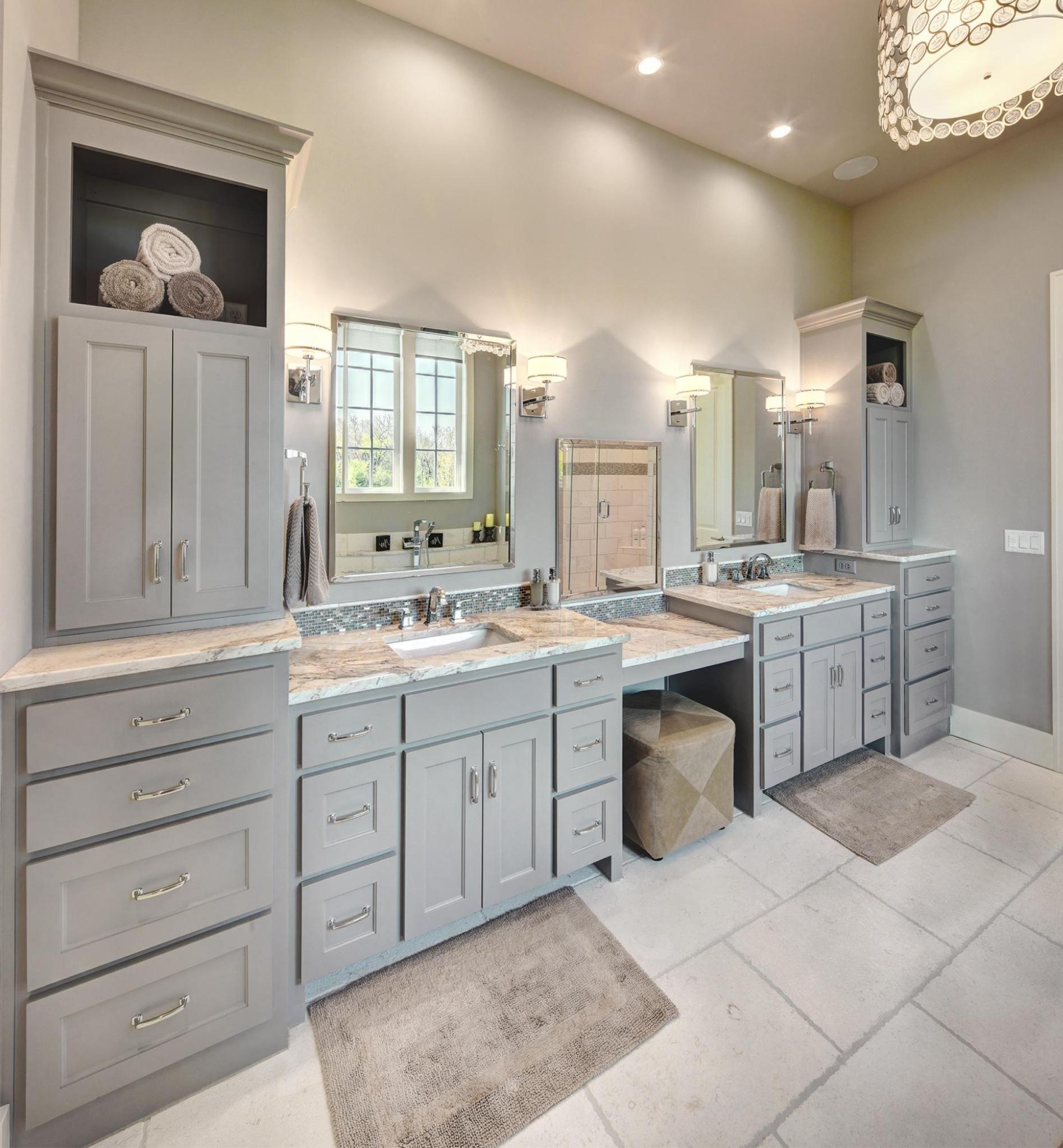 Pin By Kim Carroll On Diy Home Improvement Ideas Master Bathroom Design Classic Bathroom Modern Master Bathroom [ jpg ]