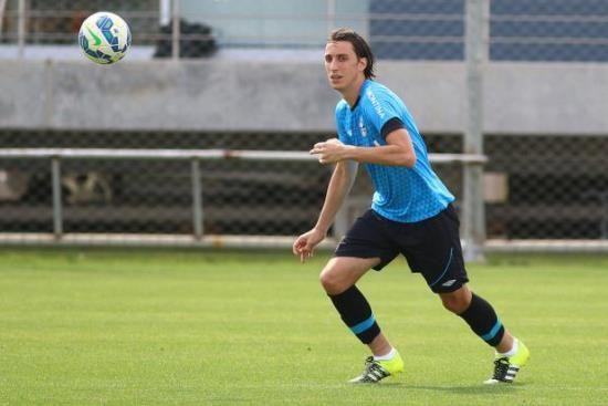RS Notícias: Grêmio confirma renovações de Geromel, Maicon e Gr...