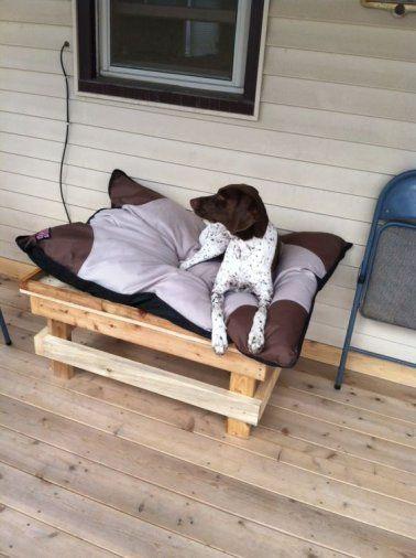 lits pour chien en palette bois r aliser soi m me meubles en palette pinterest lit chien. Black Bedroom Furniture Sets. Home Design Ideas