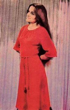 вязание на машинемодели с описанием вязание для женщин платья
