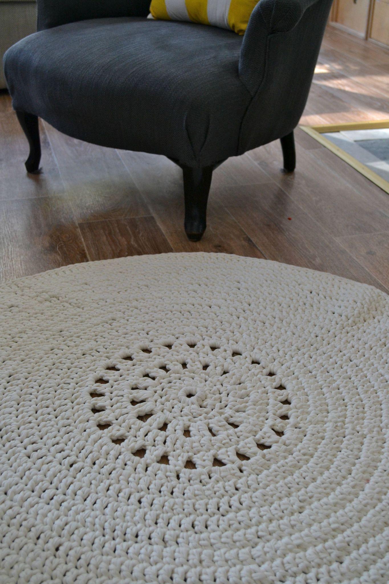 tapis rond phildar au crochet r alis avec le hooked. Black Bedroom Furniture Sets. Home Design Ideas