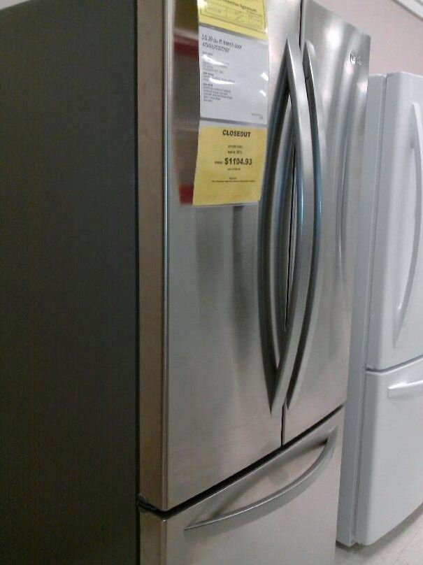 LG Bottom Freezer, brand new and on an AMAZING DISCOUNT!