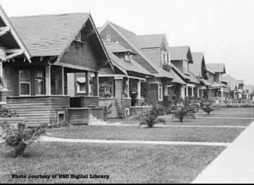 A Row Of Craftsman Style Bungalows On The 3000 Block Of Harvard Boulevard In Jefferson Park Craftsman Bungalows Craftsman Style Bungalow Craftsman Style Homes