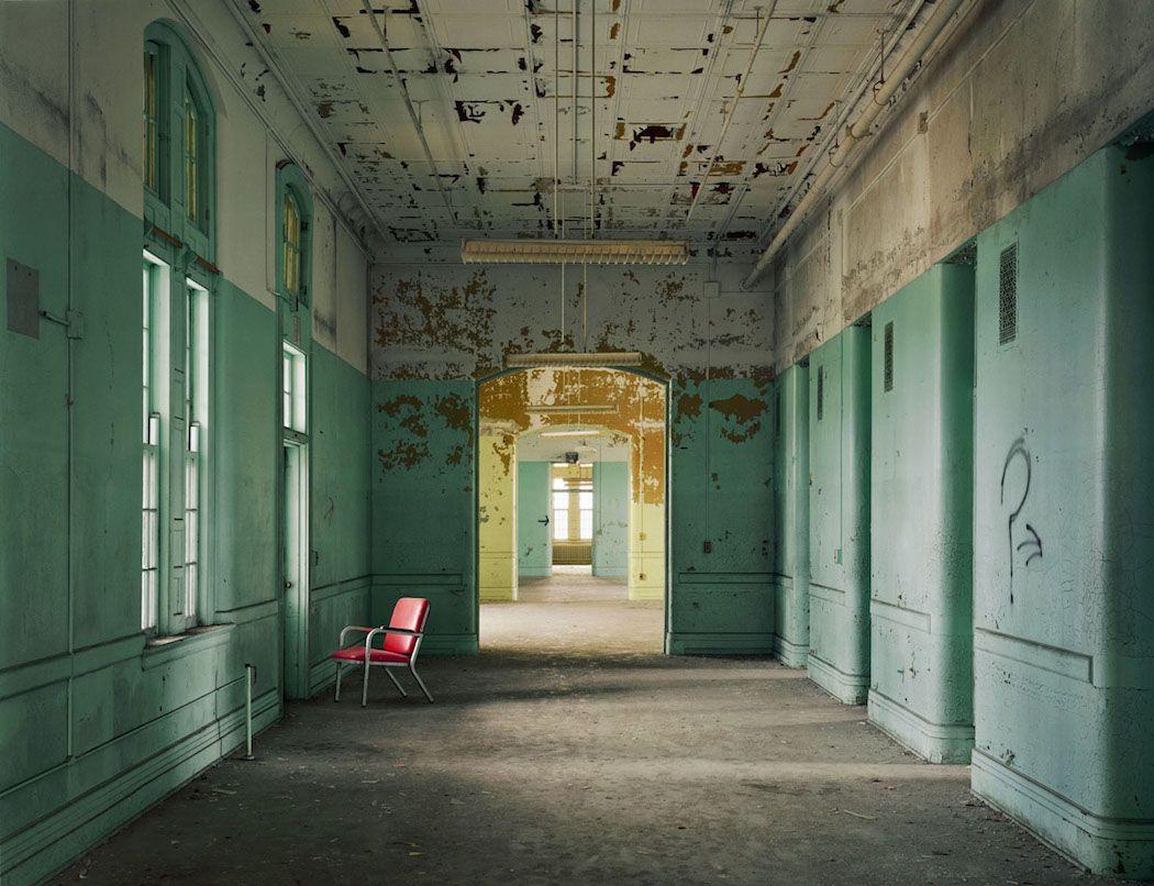 Hôpitaux psychiatriques abandonnés capturés par Christopher Payne (16)