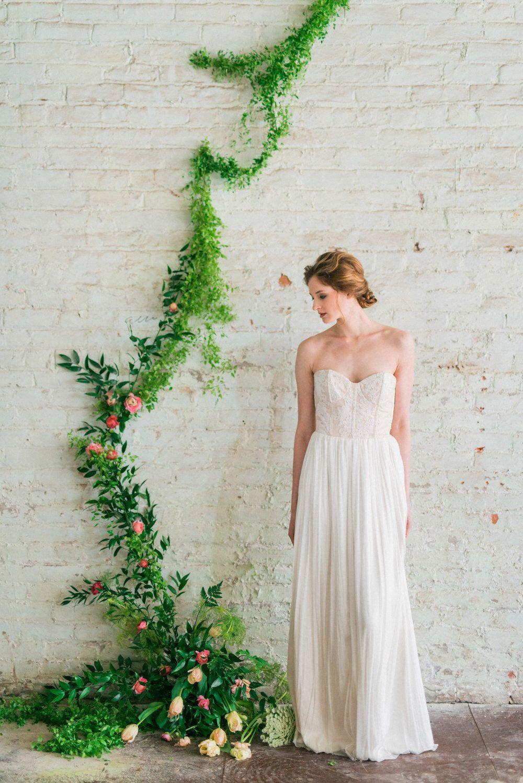 Lace Boho Kleid, Elfenbein, Seide Tüll Brautkleid, schimmernde Hochzeit Brautkleid, modernes Brautkleid - Gigi Gown von JillianFellers auf Etsy https://www.etsy.com/de/listing/229445235/lace-boho-kleid-elfenbein-seide-tull