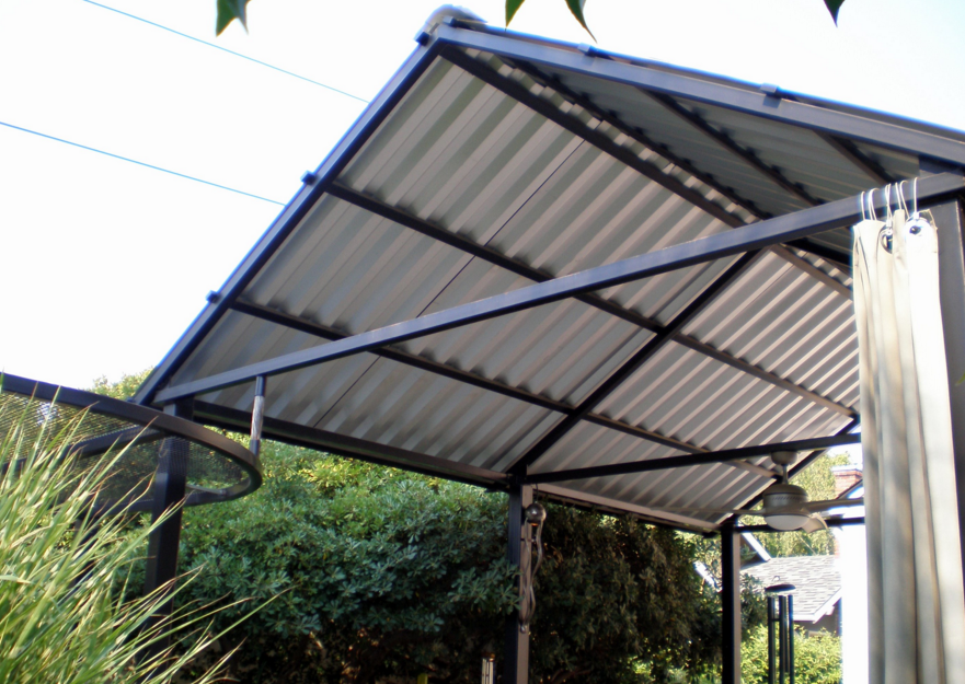 Metal Roof Patio Cover Designs With The Mounting Of The Roof Terrace Eperti Then Your Page Will Be Shaded And Cooler Roof Design Corrugated Roofing Patio Roof