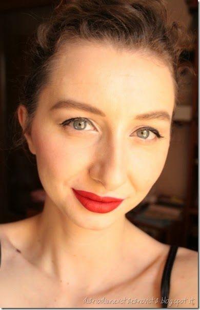 Easy daytime make up with black eyeliner and red lipstick that's Lime Crime Velvetine in Red Velvet