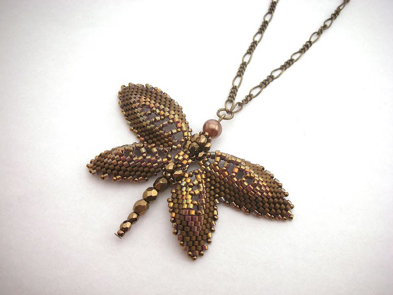Marcsi gyöngyékszerei: Szitakötők  Russian dragonfly pattern by Beverly Herman, No Easy Beads  www.bead-patterns...