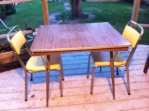 Table And 2 Chairs Saskatoon Furniture For Sale Kijiji