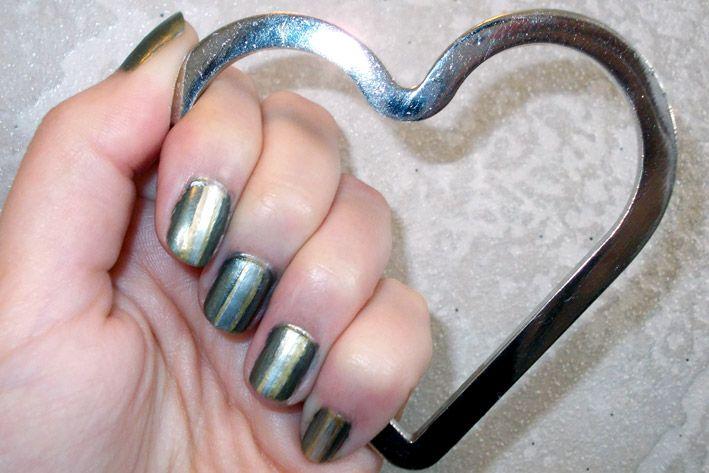 Polish Up – Nail Art Challenge – Theme #5 - Metallic