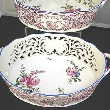 Other Antiques: A Pair of Chantilly Porcelain Baskets, circa 1750